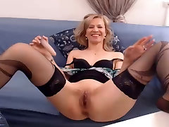 Mature Marry loves to have a nice time for her selves